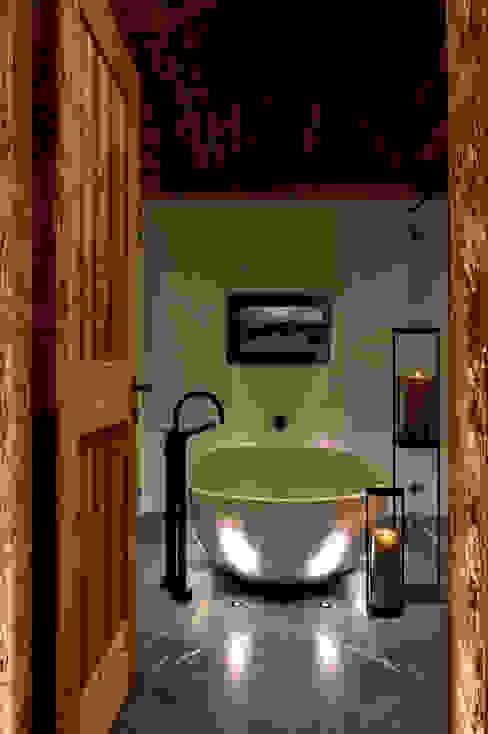 GABAG Silent Indoor Board, Hotel Alpina Gstaad, Switzerland GABAG Produktions und Vertriebs AG Rustikale Badezimmer