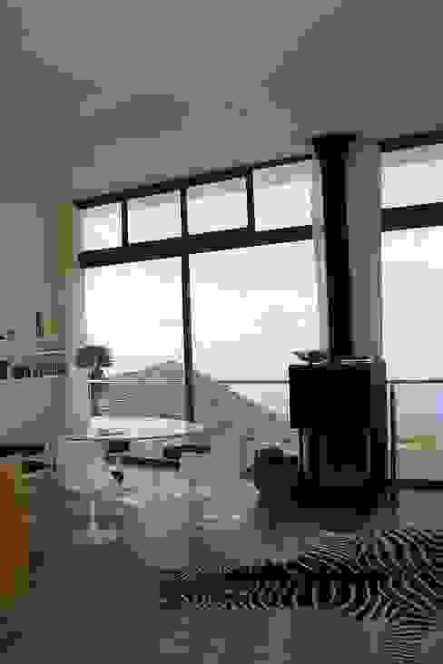 ARCHITEKTUR Haus Dr. Mertens Wohnzimmer von KAZANSKI . KEILHACKER URBAN DESIGN . ARCHITEKTUR