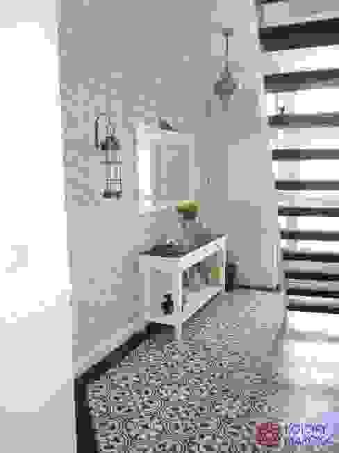 Mediterranean style corridor, hallway and stairs by Kolory Maroka Mediterranean