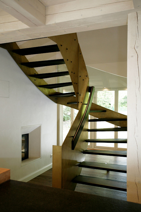 Коридор, прихожая и лестница в модерн стиле от Architektur- und Innenarchitekturbüro Bernd Lietzke Модерн