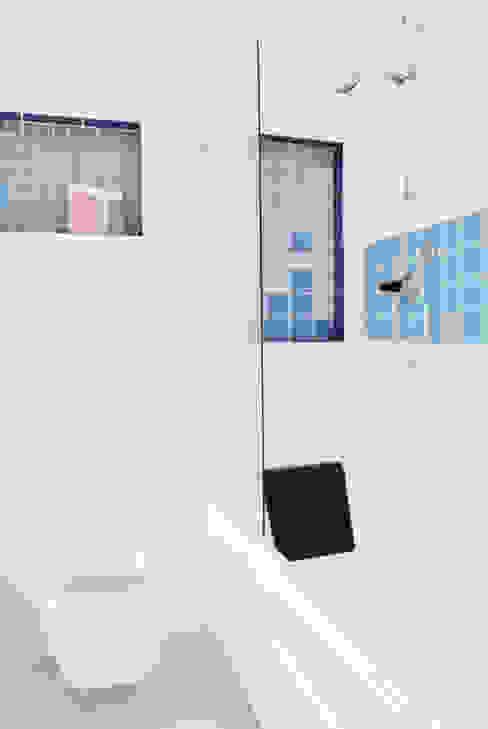 Projekty,  Łazienka zaprojektowane przez CAFElab studio, Nowoczesny