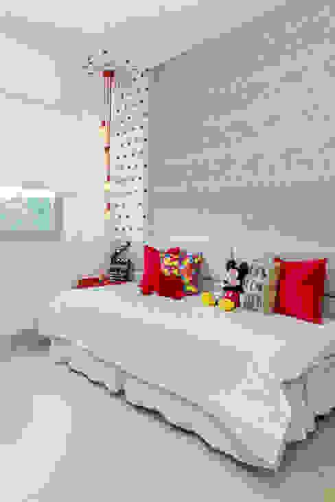Quarto adolescente Quartos modernos por Milla Holtz & Bruno Sgrillo Arquitetura Moderno