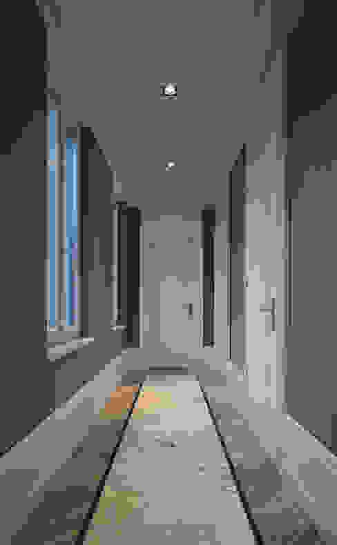經典風格的走廊,走廊和樓梯 根據 CG VOGEL ARCHITEKTEN 古典風