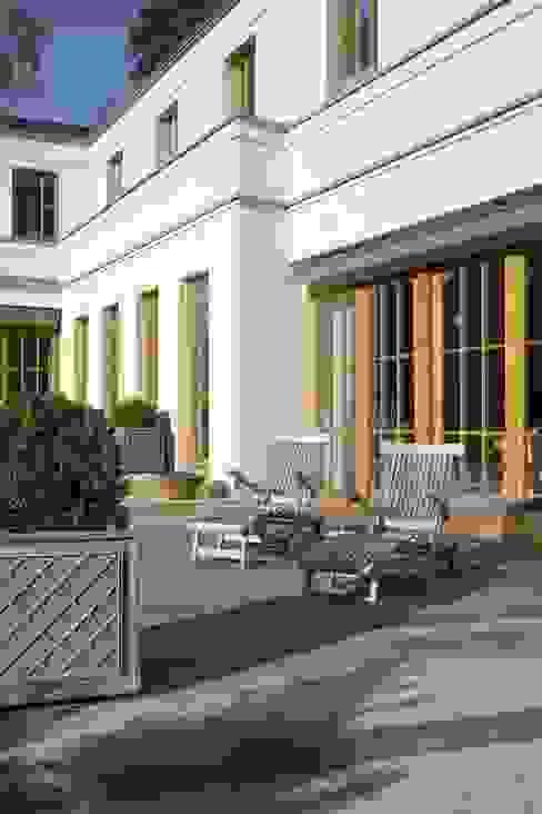 CG VOGEL ARCHITEKTEN Country style balcony, veranda & terrace