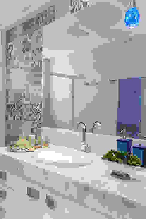 Salle de bains de style  par Milla Holtz Arquitetura, Éclectique