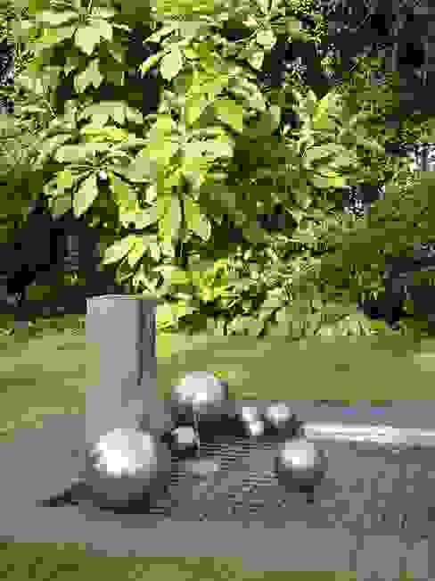 Jardines modernos: Ideas, imágenes y decoración de L-A-E LandschaftsArchitektur Ehrig & Partner Moderno