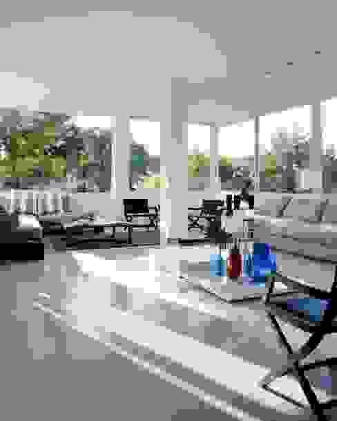 Salón - The White House La moraleja Bernadó Luxury Houses Salones de estilo moderno