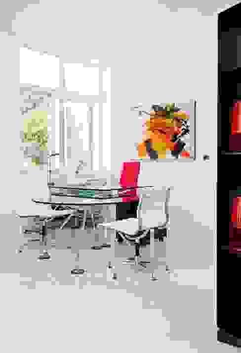Moderne Arbeitszimmer von Bernadó Luxury Houses Modern