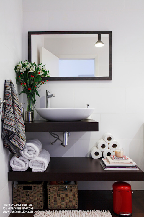 Bathroom:  Bathroom by Cassidy Hughes Interior Design, Industrial