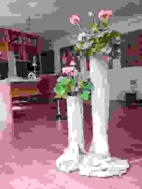 Concreted Fabric Flower Pots de Architetto Daniele Stiavetti Moderno