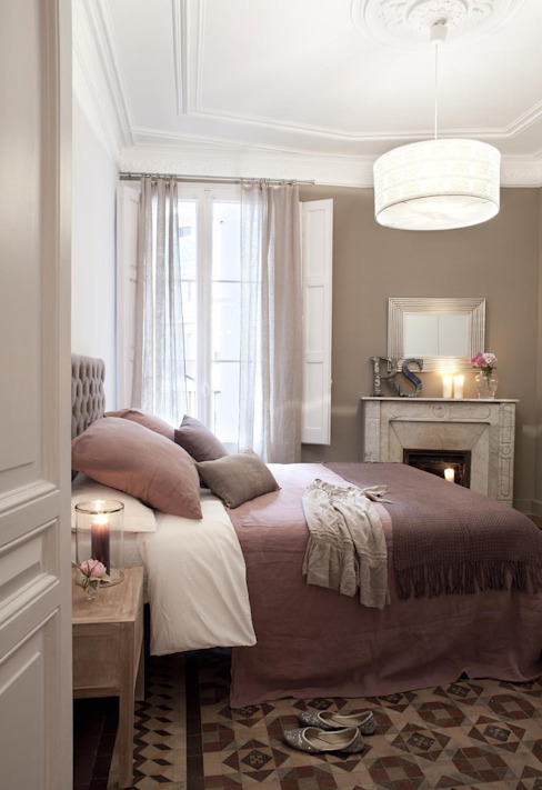 Classic style bedroom by Home Deco Decoración Classic