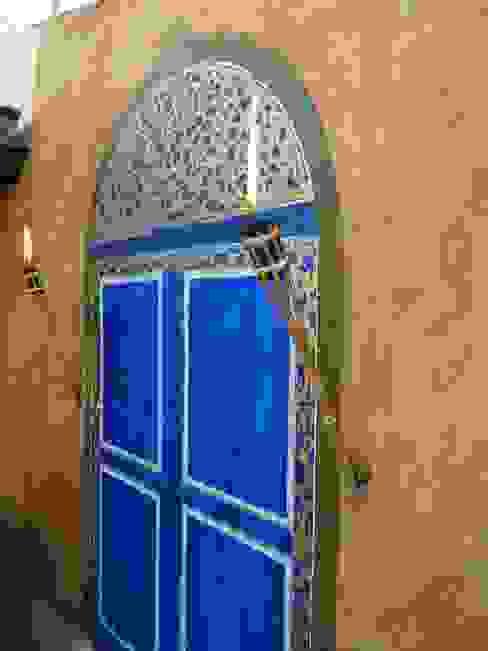 Varandas, marquises e terraços coloniais por Illusionen mit Farbe Colonial