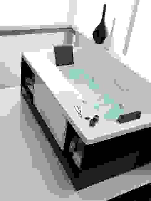 Bagno minimalista di Muebles Flores Torreblanca Minimalista