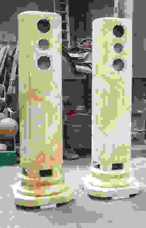 Lautsprechergehäuse in Estremoz Creme marmoriert von Illusionen mit Farbe Klassisch
