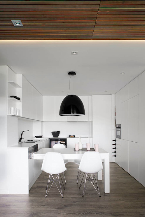 Transversal Expression Modern kitchen by Susanna Cots Interior Design Modern