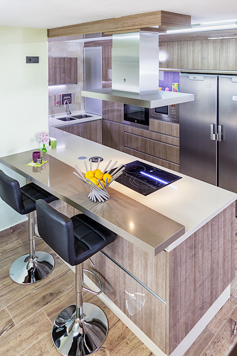 Modern style kitchen by COCINAS CASTILLO Modern