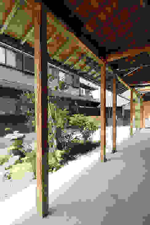 Garajes y galpones de estilo rural de eu建築設計 Rural