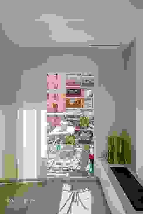Terraza Balcones y terrazas de estilo moderno de homify Moderno