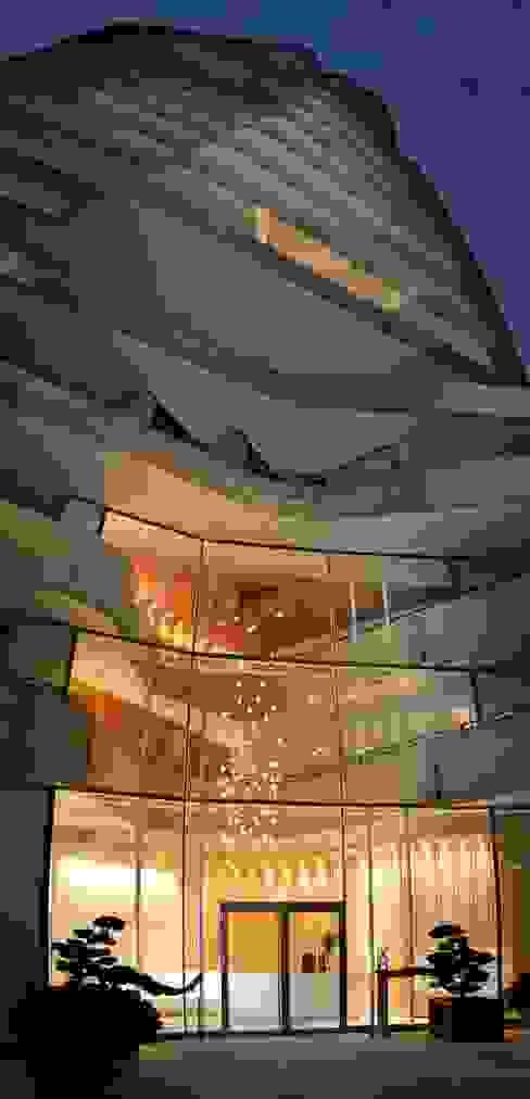 Marco Polo Tower Moderne Häuser von Davide Rizzo Modern