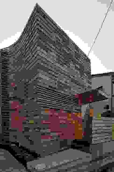 ヤネウラウラ eu建築設計 オリジナルな 家