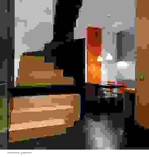 raimondo guidacci Corridor, hallway & stairs