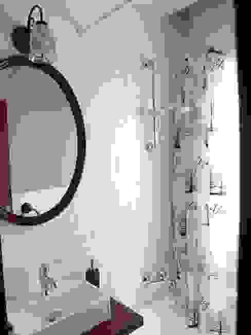 Baños de estilo ecléctico de Dec&You Ecléctico