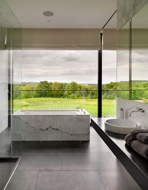 Berkshire Gregory Phillips Architects Modern bathroom