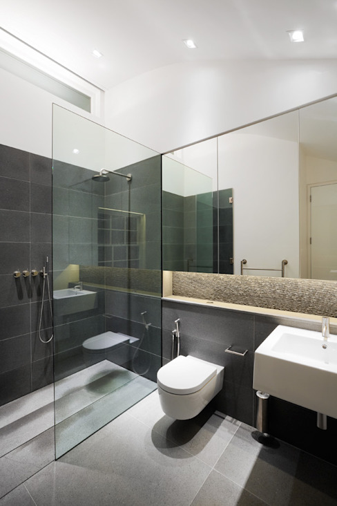 Hyde Park Mews Modern bathroom by Gregory Phillips Architects Modern