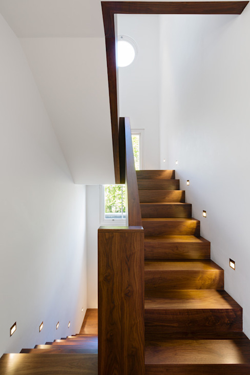 Carlton Hill, London Minimalist corridor, hallway & stairs by Gregory Phillips Architects Minimalist