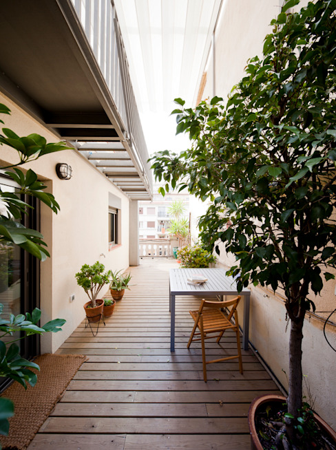 Terrace by Anna & Eugeni Bach,
