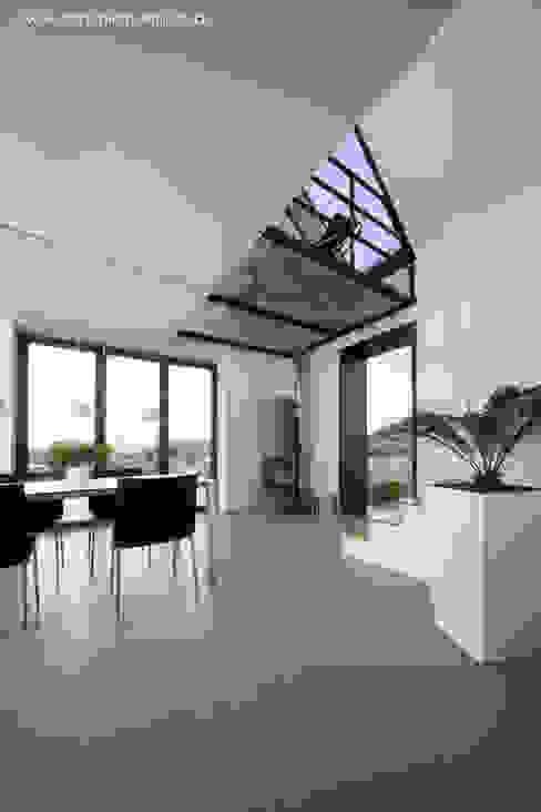 Modern Dining Room by Architekturbüro Ferdinand Weber Modern