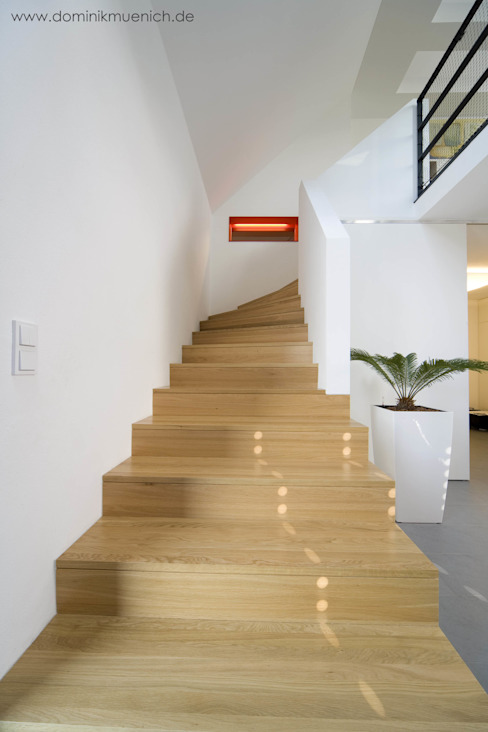 모던스타일 복도, 현관 & 계단 by Architekturbüro Ferdinand Weber 모던