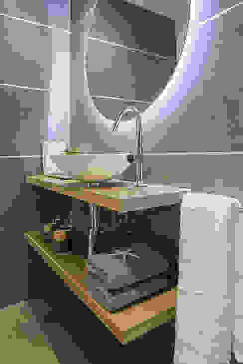Bagno minimalista di Urbana Interiorismo Minimalista