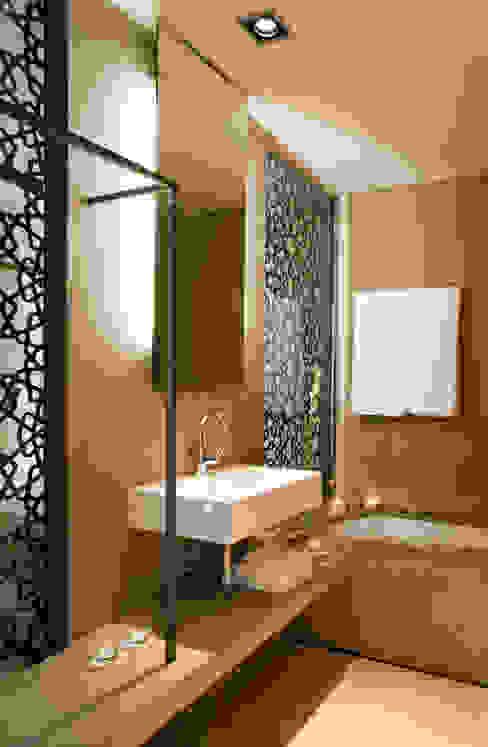Hotel EME in Seville, Spain Donaire Arquitectos Bagno eclettico