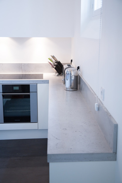 Private apartment, Rue de Seine, Paris Concrete LCDA КухняСтільниці