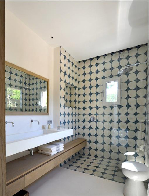 Bathroom in concrete - Spérone de Concrete LCDA Moderno