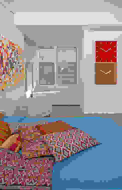 Dormitorios de estilo moderno de Fabiola Ferrarello Moderno