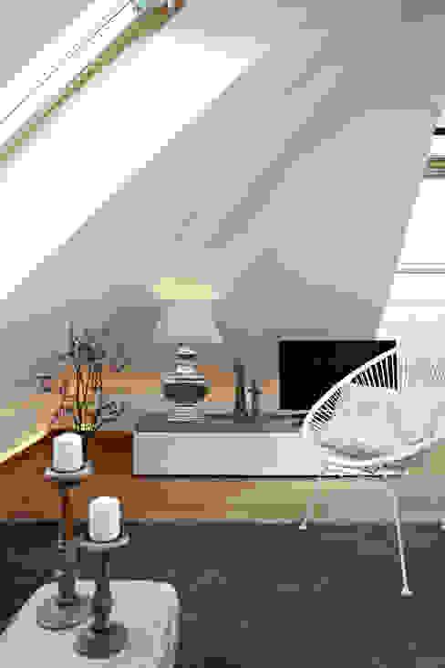 Vacation Rental W7 - über den Dächern Ute Günther wachgeküsst Ausgefallene Wohnzimmer