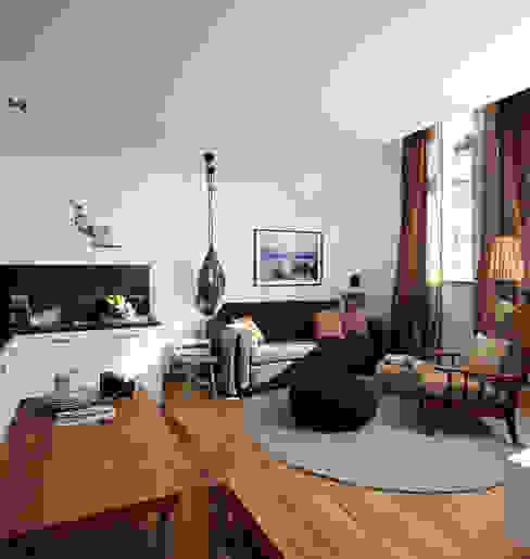 Salas de estilo moderno de Ute Günther wachgeküsst Moderno