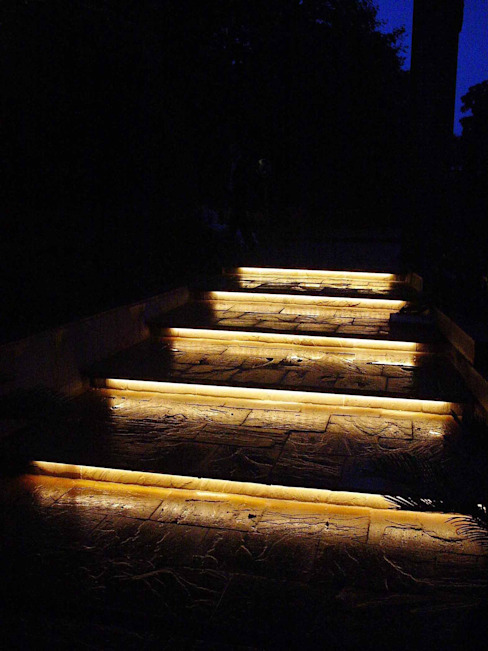 Privatvilla Klassische Häuser von list lichtdesign - Lichtforum e.V. Klassisch
