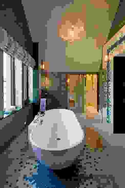 Lancashire Residence Modern Banyo Kettle Design Modern