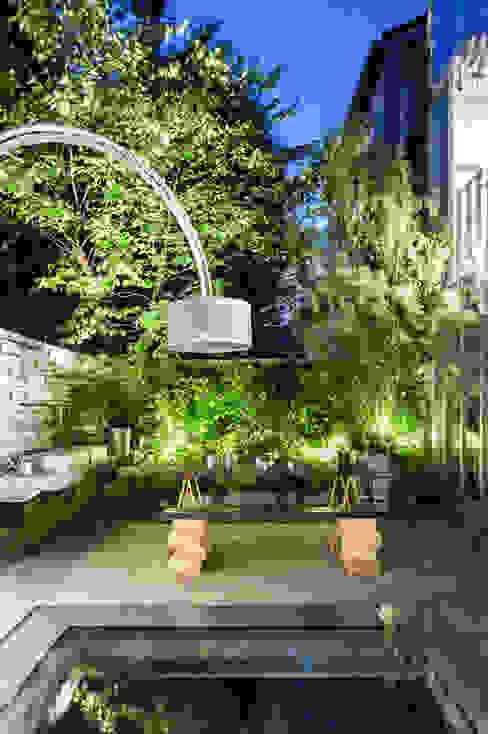 Eklektik Balkon, Veranda & Teras CRISTINA MAZZUCCHELLI GREEN DESIGN Eklektik