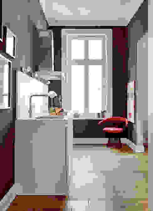 Projekt Altbauwohnung Harvestehude Moderne Wohnzimmer von decorazioni Modern