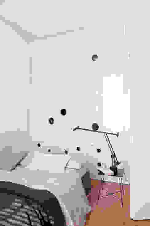 Modern Bedroom by Studio Cassiani Modern