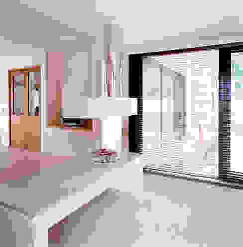 modern  door TLA Studio, Modern