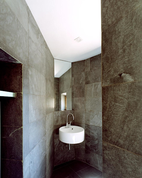 A1 house Modern style bathrooms by vps architetti Modern