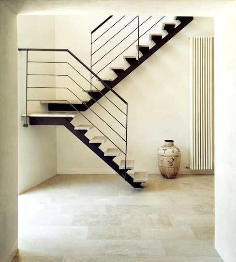 A1 house vps architetti Modern Corridor, Hallway and Staircase