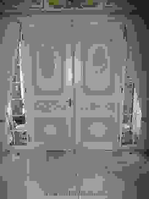 Окна и двери в классическом стиле от Die Tischlerei Классический