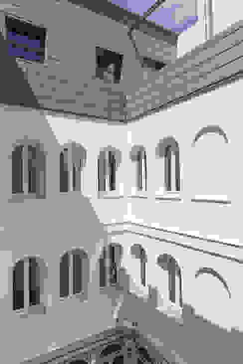 Área común Casas modernas: Ideas, imágenes y decoración de Espacios y Luz Fotografía Moderno