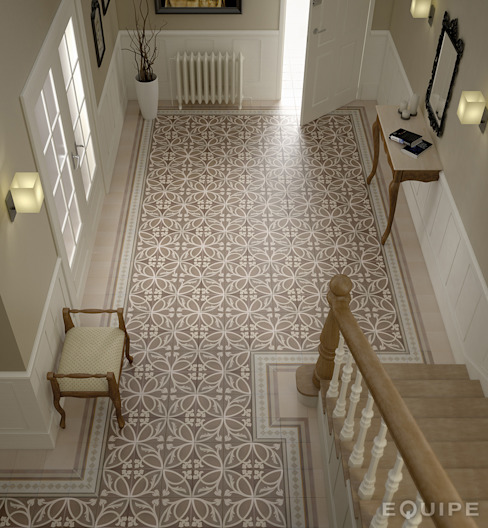 Colonial style corridor, hallway& stairs by Equipe Ceramicas Colonial